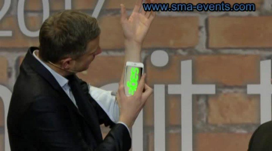 The iPad Magican - Simon