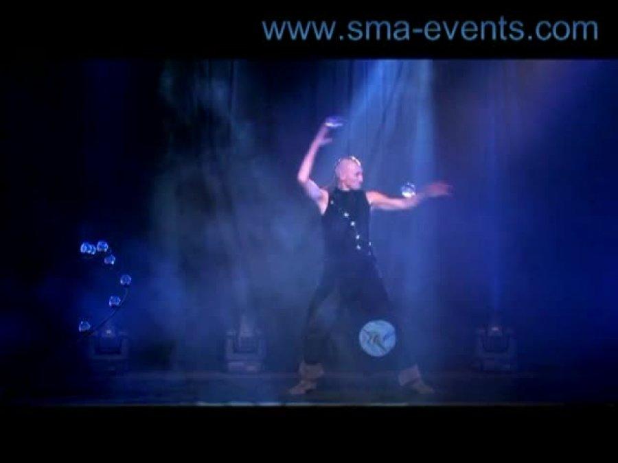 ... der mit der Kugel tanzt..., Mystic Act